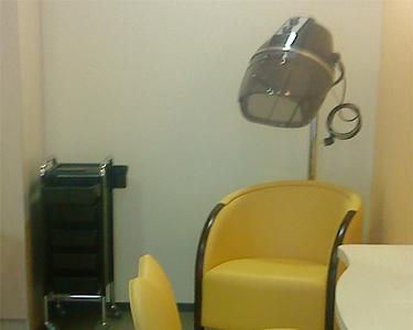 fauteuils attente et sechage coiffure 33